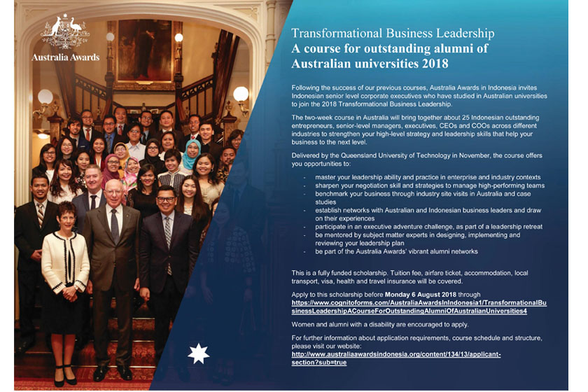 A group of Australia Awards scholars from Indonesia and the Governor of New South Wales smile and enjoy their time during an Australia Awards event in Sydney.