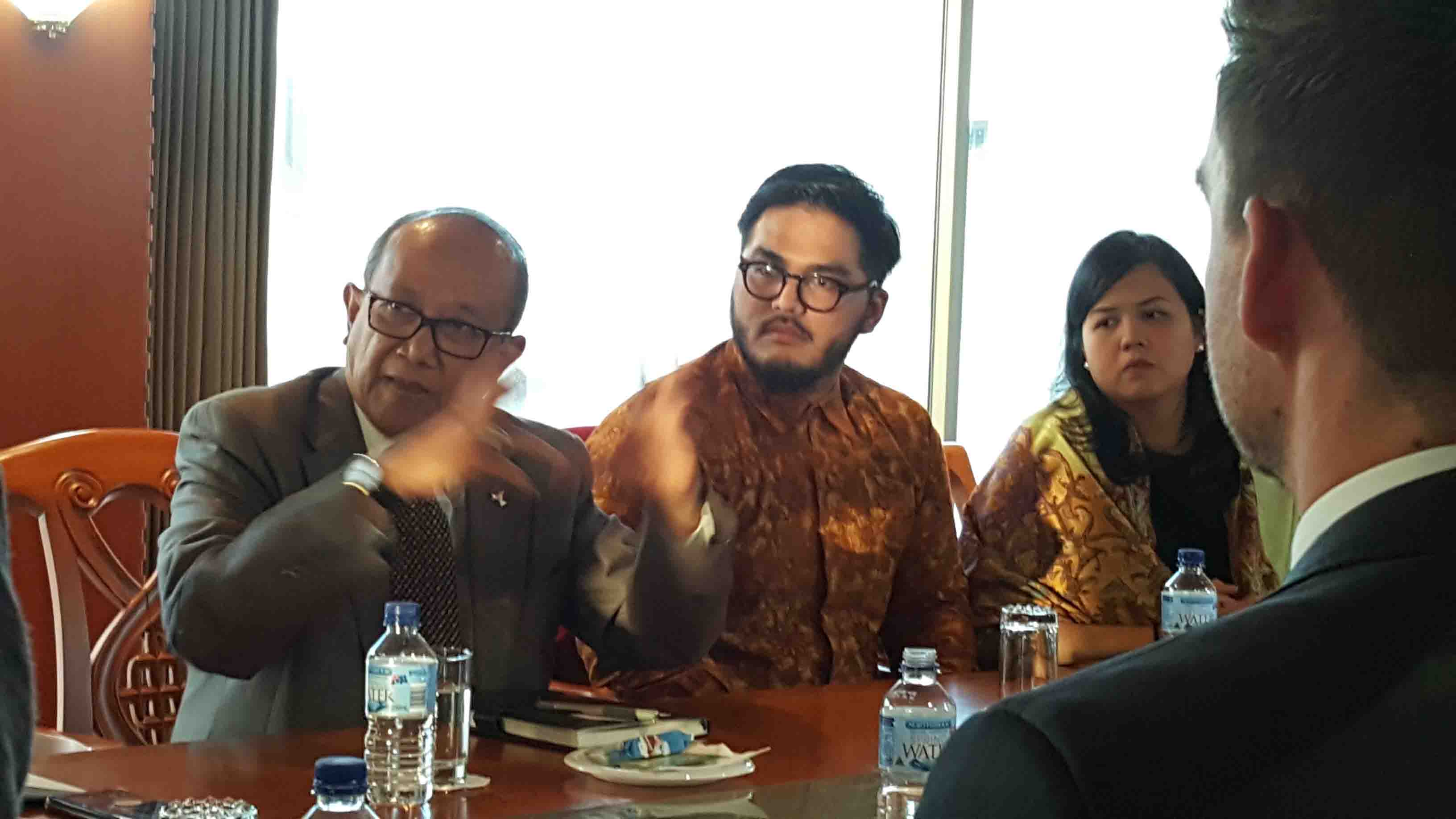 Indonesian leaders and entrepreneurs of technology-enabled start-ups met with Indonesia's Ambassador to Australia Najib Riphat Kesoema during their short course this month in Australia.