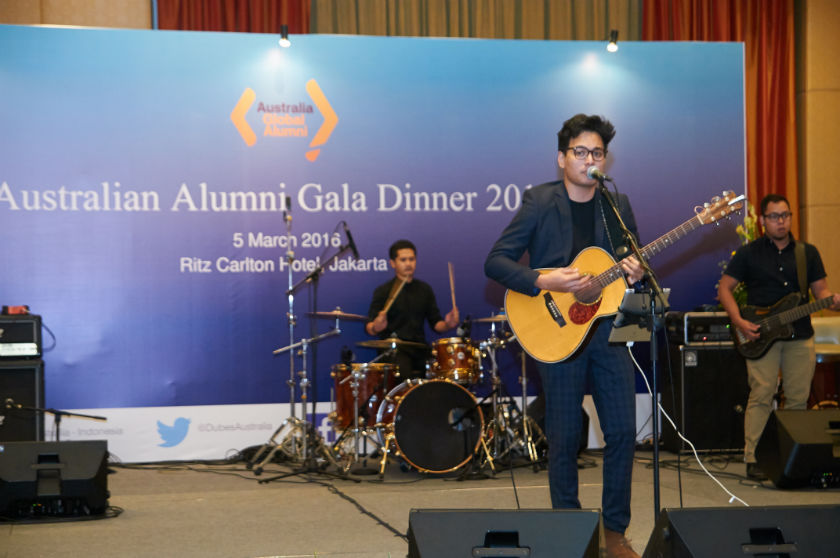 Randy Pandugo performed for Australian Alumni Gala Dinner 2016