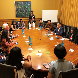 Australia Awards scholars from Indonesia attend a Roundtable Discussion with H.E Tom Lembong at the AIBC National Conference 2018 – Gold Coast, Queensland